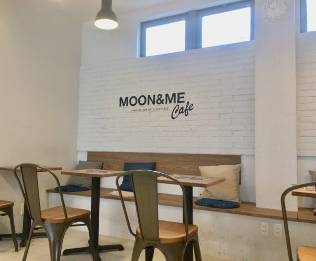 MOON&ME Cafeの店内